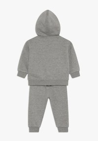 Nike Sportswear - LEBRON PANT SET - Mikina na zip - grey heather - 1