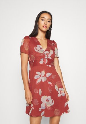 V NECK DRESS - Day dress - marsala