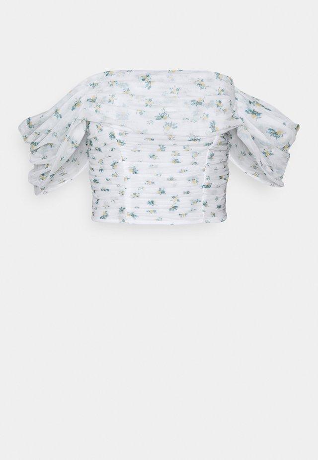 FLORAL RUCHED BARDOT CROP  - Bluser - white