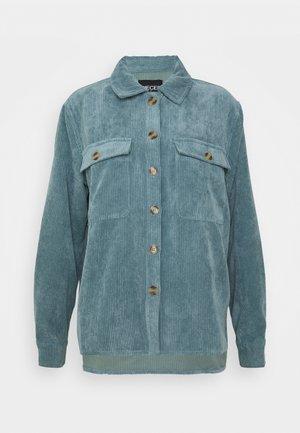 PCEFFI SHIRT - Button-down blouse - trooper