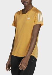 adidas Performance - OWN THE RUN T-SHIRT - T-shirt con stampa - orange - 2
