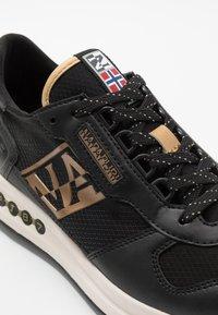 Napapijri - Sneakers - black/platinum - 5