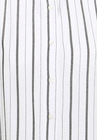 GAP - SHIRRED - Button-down blouse - black/white - 2