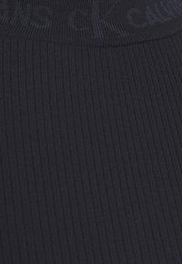 Calvin Klein Jeans - LOGO LONG SLEEVES - Long sleeved top - black - 6
