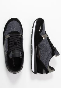 Emporio Armani - Trainers - black/gold - 3