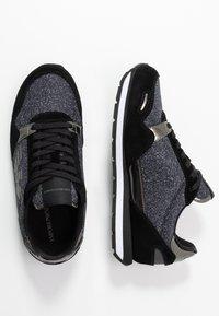 Emporio Armani - Sneaker low - black/gold - 3