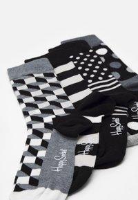 Happy Socks - CLASSIC GIFT SET 4 PACK - Socks - black/white - 1