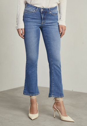 MAX - Flared Jeans - used light blue