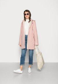 Ilse Jacobsen - RAINCOAT - Waterproof jacket - adobe rose - 1