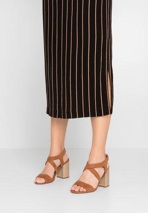 WIDE FIT SPYE CROSS OVER BLOCK  - High heeled sandals - tan
