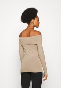 Vero Moda - VMPANDA OFF SHOULDER - Long sleeved top - silver mink - 2