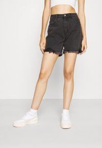 Abrand Jeans - CLAUDIA CUT OFF - Denim shorts - black rose - 0