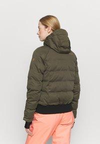 Brunotti - FIRECROWN WOMEN SNOWJACKET - Snowboardová bunda - sprout - 2