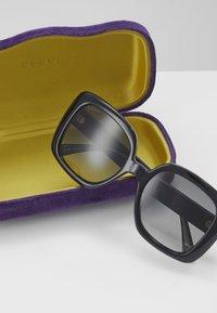 Gucci - Sluneční brýle - black/blue/grey - 3
