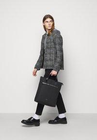 Tiger of Sweden - BARBETTE UNISEX - Shopping bag - black - 0