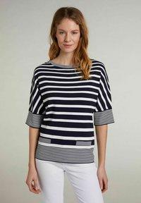 Oui - MIT STREIFEN - T-shirt imprimé - lt blue white - 0