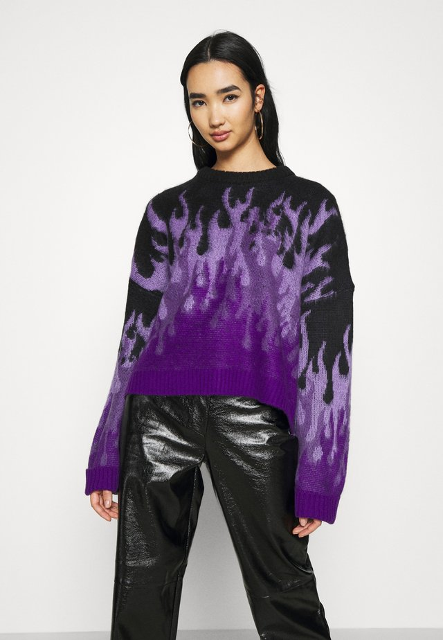 REVOLT - Strickpullover - purple/black