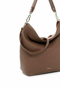 SURI FREY - BEUTEL KETTY - Handbag - darktaupe - 3