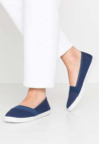 Loaferit/pistokkaat - dark blue