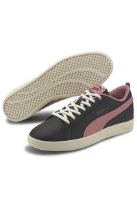 Puma - SMASH - Trainers - black-foxglove-burgundy-whi - 3