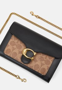 Coach - SIGNATURE TABBY CHAIN - Portefeuille - tan black - 5