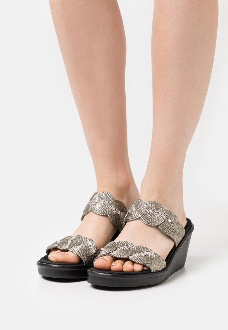 Skechers - RUMBLE ON - Heeled mules - pewter