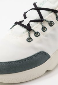 Lacoste - SUBRA IMPACT - Tenisky - offwhite/green - 5