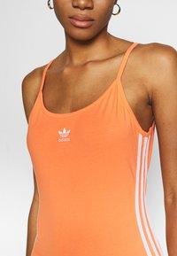 adidas Originals - TANK DRESS - Pouzdrové šaty - semi coral/white - 5