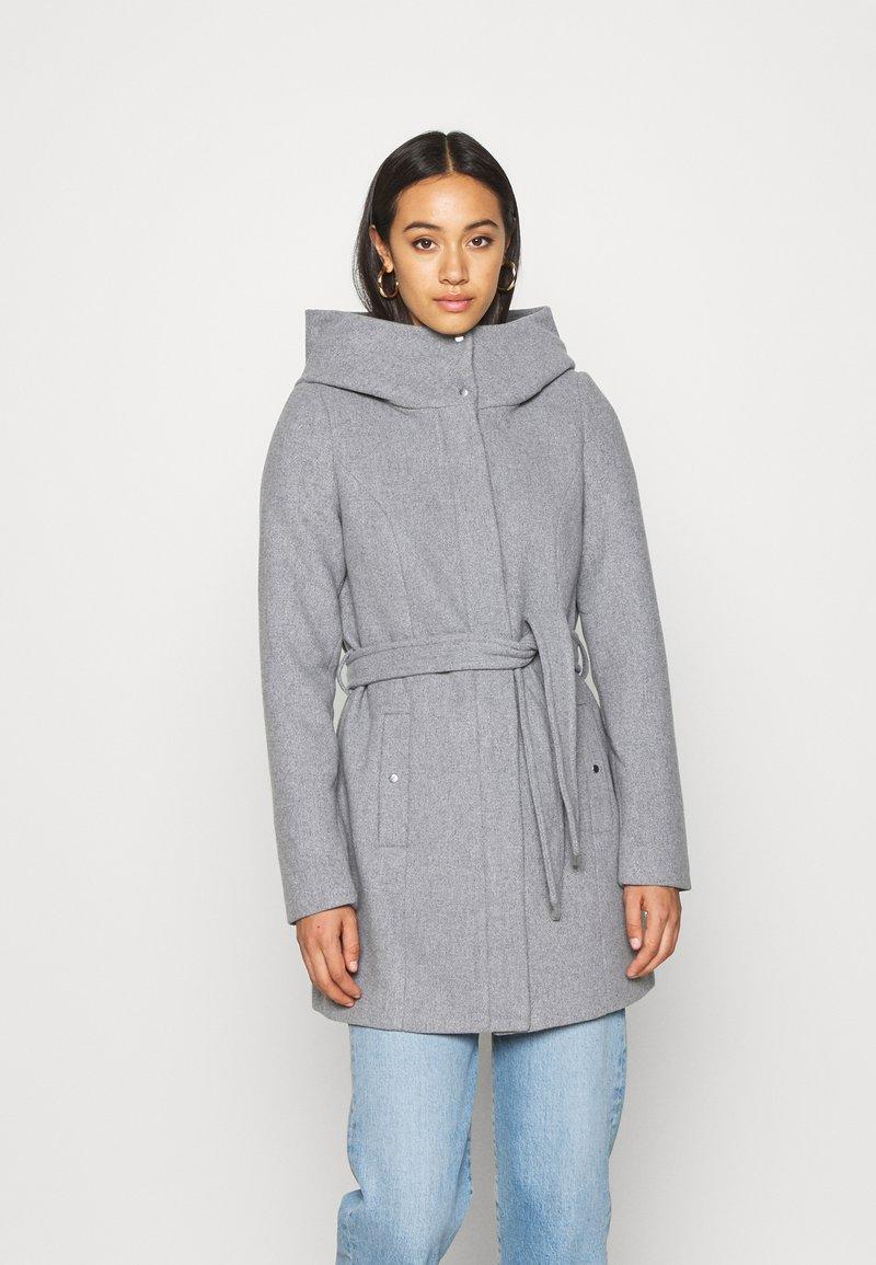Vero Moda - VMCLASSLIVA JACKET - Cappotto corto - light grey