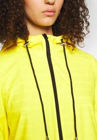 PIECES Tall - PCRARNA RAIN JACKET - Parka - empire yellow - 5