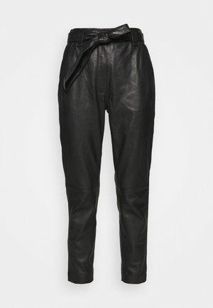 INDIE NEW TROUSERS - Kožené kalhoty - black