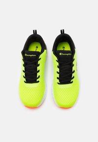 Champion - LOW CUT SHOE BOLD UNISEX - Scarpe da fitness - yellow/new black - 3