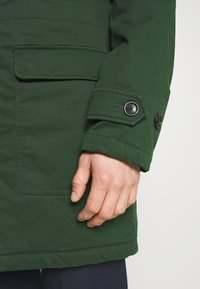 Scotch & Soda - CLASSIC PADDED JACKET - Winter coat - army - 6