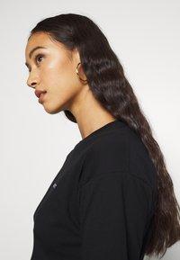 Carhartt WIP - SCRIPT EMBROIDERY - Basic T-shirt - black/white - 3