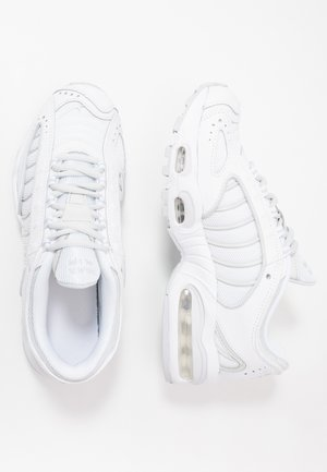 AIR MAX TAILWIND IV - Sneakers - white/pure platinum