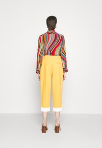 3.1 Phillip Lim - UTILITY TIE WAIST CROPPED TROUSER - Trousers - marigold - 2