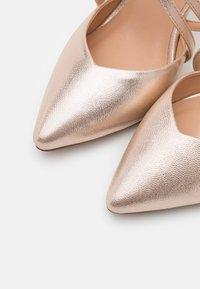 Wallis Wide Fit - WIDE FIT WINTERBERRY - High heels - beige shimmer - 5