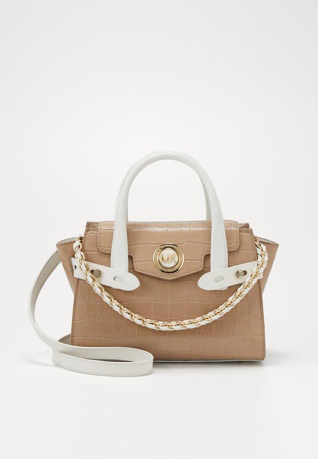 CARMEN FLAP CROCO KENIA - Handbag - truffle