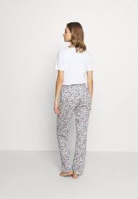 Calida - FAVOURITES DREAMS  - Pyjama bottoms - star white - 2
