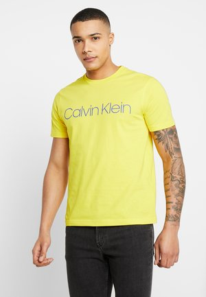 FRONT LOGO - Print T-shirt - yellow