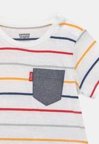 Levi's® - SET - T-shirt print - white - 3