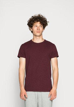 LASSEN  - Camiseta básica - port royal