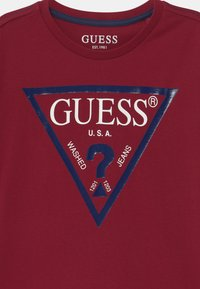 Guess - CORE JUNIOR  - Print T-shirt - red sea - 2