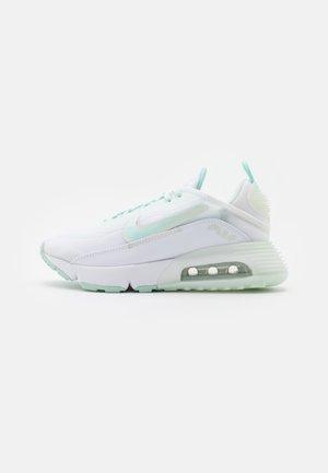 AIR MAX 2090 - Sneakers basse - white/lightt dew/barely green/metallic silver/white