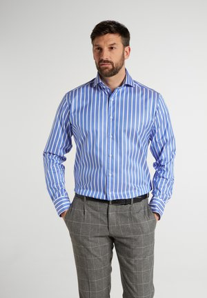 MODERN - Formal shirt - hellblau/weiß