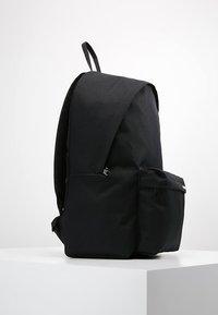 Carhartt WIP - PAYTON BACKPACK UNISEX - Mochila - black/white - 3
