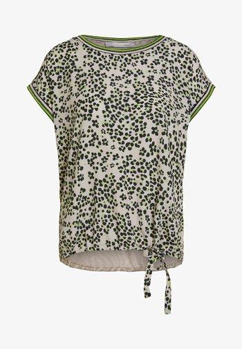 IM ANGESAGTEM  - Print T-shirt - light grey green
