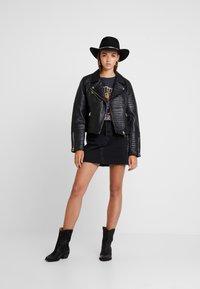 Levi's® - DECON ICONIC SKIRT - A-snit nederdel/ A-formede nederdele - black denim - 1