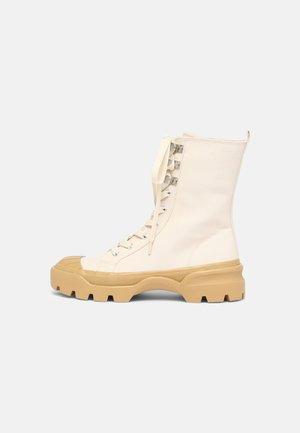 Šněrovací kotníkové boty - white/dusty light