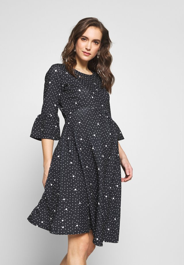 FLUTE SLEEVE FIT AND FLARE DRESS - Žerzejové šaty - black